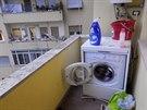Obě ložnice mají také lodžie, na té mé je pračka. To je v Římě běžné, vysvětluje Aneta.