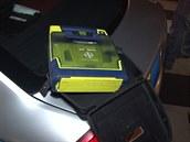 Policisté zachraňovali taxikáře, který upadl do bezvědomí. Život mu zachránili pomocí defibrilátoru. (5.12.2014)