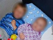 Sourozence norské úřady rodičům odebraly v květnu 2011. Poté je rozdělily. Nyní každý se sourozenců žije u jiných pěstounů.
