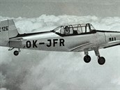 Zlin Z-126 Trener II dostal oproti sv�mu p�edch�dci celokovov� k��dlo a pozd�ji i ocasn� plochy. Kovovou SOP pozn�te na prvn� pohled hranat�j��mi tvary, srovnejte se zakulacenou d�ev�nou vojensk� C-5 na p�edchoz�m sn�mku.