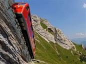 Pilatus (Švýcarsko). Nejstrmější dráha světa šplhá do dvoutisícové nadmořské výšky nad švýcarským městem Luzern pod úhlem až 48 % bez jištění lanem, jen s pomocí ozubnicového mechanismu. Inženýr Locher vyvinul pro tuto dráhu revoluční zubačku s horizontálně protiběžnými ozubenými koly.