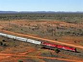 Ghan (Austrálie). Nejodlehlejší trať planety spojuje dvě města na opačných koncích Austrálie: jižní Adelaide a severní Darwin. Zkraje 21. století byla dobudována v celé délce kvůli nákladní dopravě, ale dvakrát týdně se po ní můžete svézt i luxusním vyhlídkovým vlakem Ghan – až na to, že za oknem neuvidíte nic než buš, sem tam klokana či orla a napůl cesty město Alice Springs.