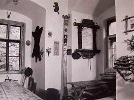 Skautská základna sklubovnou. Snímek pravděpodobně pochází z konce 60. let minulého století.