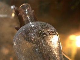 Aukce unik�tn�ch pivn�ch lahv� u� pot�et� pom�e Centru Paraple