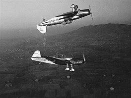Super Kasper Akrobat byla polská přestavba Z-26 na jednomístný akrobatický speciál. Na zádech letí SP-ASG, vůbec první stroj tohoto typu připravený pro Stanislawa Kasperka.