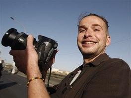 Americký fotograf Luka Somers zajatý teroristy z Al-Káidy zemřel v Jemenu během záchranné operace americké armády.