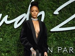 Rihanna na předávání britských módních cen