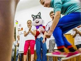 Kristýna Kolocová jako jedna z patronek Olympijského víceboje na školách.