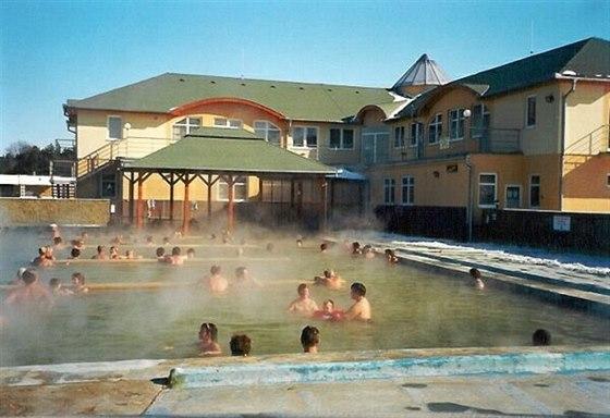 Koupaliště v Podhájské skýtá sedm bazénů.