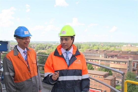Gener�ln� �editel Tapas Rajderkar a viceprezident finsk� firmy Valmet, kter� dod� ostravsk� huti nov� fluidn� kotel za 1,5 miliardy korun.