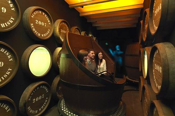 The Scotch Whisky Experience (prohlídka expozice projížďkou v sudu)