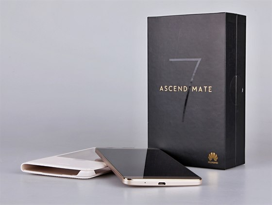 Huawei Ascend Mate7 ve zlat� variant�