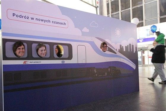 Propagace Pendolina ve stanici Warszawa Centralna
