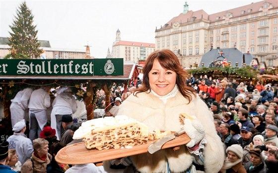 Slavné pečivo známé po celém světě První zmínka o drážďanské vánoční štole je již z roku 1474 a je na účtence křesťanského špitálu sv. Bartoloměje. O vynikající vánoční pochoutce se tehdy ovšem rozhodně hovořit nedalo.