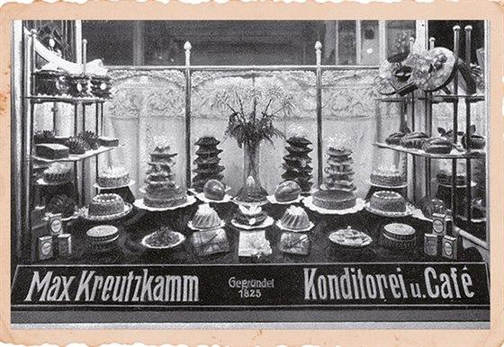 Historie. Jedna z mála historických fotografií, kterou se cukrářské rodině z Drážďan podařilo zachovat.