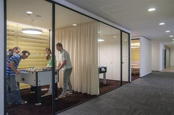Herna ve firmě Kentico. Relaxace v odhlučněné místnosti, která neruší ostatní při práci.
