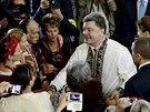 Ukrajinsk� prezident Petro Poro�enko nav�t�vil �eckokatolick� chr�m v Melbourne(11. prosince 2014)