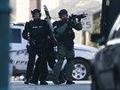 Policie v Pensylvánii pořádá zátah na veterána z Iráku, kterého podezírá z vraždy šesti lidí (16. prosince 2014)