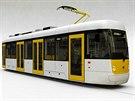 Model jednočlánkové bezbariérové tramvaje EVO 1, kterou kompletují v dílnách pražského dopravního podniku
