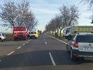 Na místě nehody u středočeských Nehvizd přistával také záchranářský vrtulník (17.12.2014)