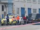 Policisté zasahovali v Radotíně u případu dělníka, na kterého spadl náklad. Muž na místě zemřel.