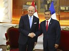 Francouzský ministr zahraničí Laurent Fabius a prezident Peru Ollanta Humala.