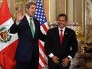 Americký ministr zahraničí  John Kerry a prezident Peru Ollanta Humala.