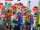 BRONZOVÉ. Biatlonová štafeta žen po závodě Světového poháru v Hochfilzenu. Zleva Eva Puskarčíková, Gabriela Soukalová, Jitka Landová a Veronika Vítková.