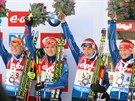 NA PÓDIU. Biatlonová štafeta žen po závodě Světového poháru v Hochfilzenu. Zleva Eva Puskarčíková, Gabriela Soukalová, Jitka Landová a Veronika Vítková.