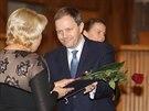 Místo Zemana předával jmenovací dekrety ministr školství Marcel Chládek (18. prosince 2014)