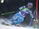 Tina Mazeov� ve slalomu v Aare.