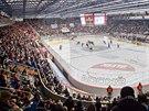 Hokejový stadion v Hradci Králové při derby s Pardubicemi.