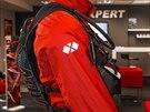 Celková konstrukce batohu je hodně minimalistická. Krásně obepíná tvar těla a zabírá minimum prostoru.