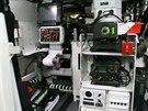 Prototyp modernizovan�ho bojov�ho vozidla p�choty �akal se mimo jin� v kv�tnu p�edstavil na Mezin�rodn�m veletrhu obrann� techniky IDEB 2014 v Bratislav�. Pohled na technick� vybaven� uvnit�.