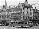 Do roku 1984 jezdily tramvaje dnešní Moskevskou ulicí a pokračovaly na Lidové sady kolem divadla. Ve směru k nádraží opouštěla tramvaj náměstí Pražskou ulicí.