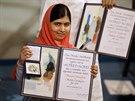 Sedmnáctiletá Pákistánka Malala Júsufzaj se ve středu stala nejmladší laureátkou Nobelovy ceny (Oslo, 10. prosince 2014).