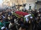 Pákistán truchlí za oběti útoku Talibanu na školu, při němž zahynulo přes 130 dětí (Péšávar, 17. prosince 2014).