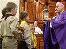 Betlémské světlo přinesli skauti do katedrály na Petrově.