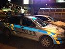 Dva lupiči přepadli vůz bezpečnostní agentury v ulici Švehlova (12. 12. 2014).