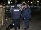 Dva neznámí pachatelé přepadli vůz bezpečnostní agentury (12. 12. 2014).