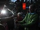 V jihlavské zoo křtili malé pandy červené, za kmotra šel horolezec Radek Jaroš. Zvířecím bratrům dal jména  Radek a Janek.
