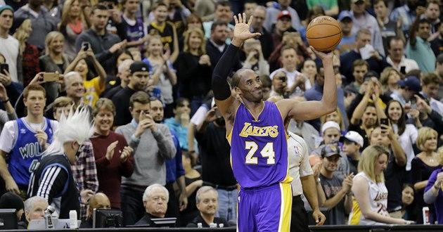 BRAVO. Kobe Bryant p�ekonal v historickém po�adí st�elc� NBA legendárního...