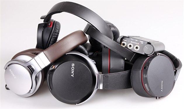 Nová sluchátka a sluchátkový zesilova� Sony.