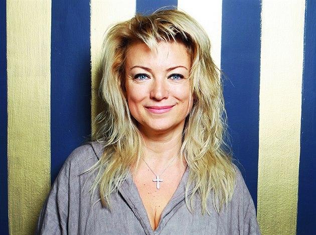 Eva Vejm�lková