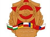 Znak Varšavské smlouvy. Uspořádání vlajek států je podle azbuky, takže Československo je až na posledním místě