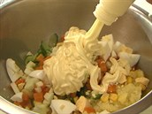 Do tohoto salátu by m�la p�ijít japonská majonéza, která je chu�ov� jen lehce...