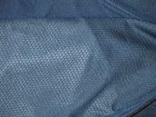Membrána je podšitá prodyšnou textilií, která zvyšuje tepelný komfrot, do léta ale tato bunda není.