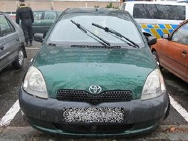 Auto našli policisté zaparkované nedaleko od nehody, v ulici Milady Horákové v Hradci Králové. (14. 12. 2014)