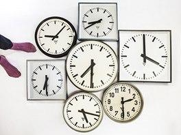 Projekt Nanovo - Happy Hours, sbírka industriálních nástěnných hodin