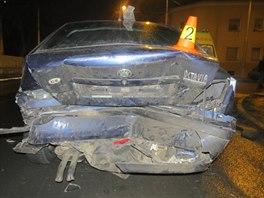 Celková škoda dosáhla na poničených autech výše 270 tisíc korun.